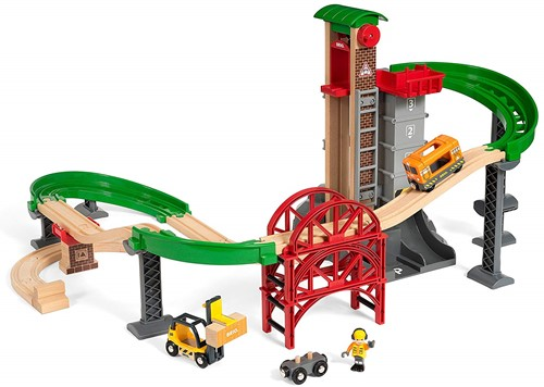 BRIO train Lift and Load Warehouse Set 33887-2