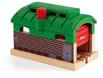 BRIO trein Treingarage met roldeuren 33574
